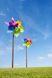 戏弄绿色能量风力场的风车概念 免版税库存照片