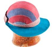 有宽盖帽峰顶的感觉的软的帽子 库存图片