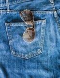 蓝色牛仔裤口袋 免版税库存图片