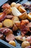 烤土豆烟肉和葱 库存图片