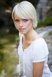 Όμορφη νεανική γυναίκα Στοκ εικόνες με δικαίωμα ελεύθερης χρήσης