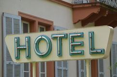 Παλαιό σημάδι ξενοδοχείων Στοκ φωτογραφίες με δικαίωμα ελεύθερης χρήσης
