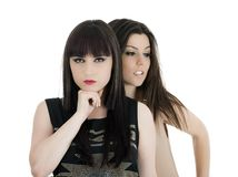 Φίλοι ευτυχείς κοριτσιών - που απομονώνονται πέρα από ένα άσπρο υπόβαθρο Στοκ εικόνες με δικαίωμα ελεύθερης χρήσης