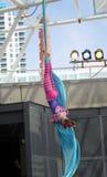绳索的妇女体操运动员 免版税库存图片