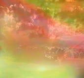 天空惊人的彩虹颜色。 免版税库存图片