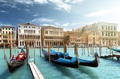 长平底船在威尼斯 免版税库存图片