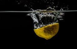 飞溅柠檬 库存照片
