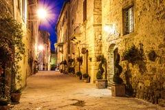 皮恩扎古镇在意大利 免版税图库摄影