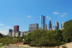 Небоскребы в городском Чикаго, Иллинойсе Стоковые Фотографии RF