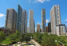 摩天大楼在街市芝加哥,伊利诺伊 免版税图库摄影
