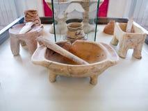 Προϊστορικό βάζο αγγειοπλαστικής αργίλου σε ένα μουσείο Στοκ Εικόνα