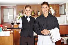 侍者职员队在餐馆 免版税库存图片