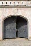 堡垒装于罐中的门 库存图片