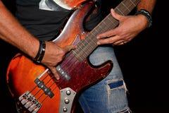 Бас-гитарист Стоковые Фото
