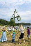Παραδοσιακός σουηδικός χορός θερινού ηλιοστάσιου Στοκ Εικόνες