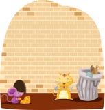 Еда мыши и кота шаржа Стоковое фото RF
