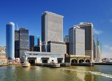 降低曼哈顿办公楼 免版税库存照片