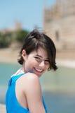 可爱的微笑的妇女 免版税库存照片