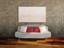在肮脏的墙壁附近的沙发 库存照片