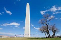 华盛顿特区,华盛顿纪念碑在早期的春天 免版税库存图片