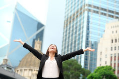 Успех бизнес-леди счастливый напольный в Гонконге Стоковое Изображение