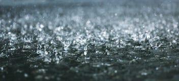 大雨 免版税库存图片
