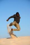非裔美国人功夫跳跃 免版税库存图片