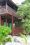 热带的海滨别墅 免版税图库摄影
