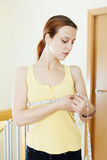 Бюст женщины измеряя Стоковая Фотография