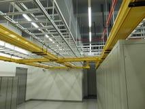 数据中心电缆托盘设定 免版税库存照片