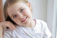 一个美丽的小女孩 库存照片