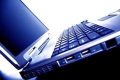 蓝色膝上型计算机口气 免版税图库摄影