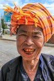 兴高采烈的缅甸妇女 库存照片