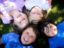 四个小女孩 免版税库存照片