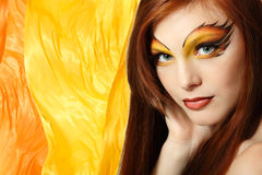 快乐火少年女孩美丽的红色的头发 免版税库存照片