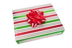 Τυλιγμένο χριστουγεννιάτικο δώρο Στοκ φωτογραφίες με δικαίωμα ελεύθερης χρήσης