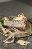 与黑芝麻籽的乳酪蛋糕在万圣夜 库存照片