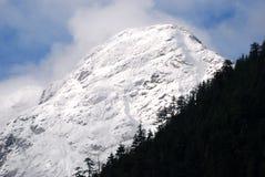 北部级联的山 免版税库存图片