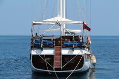 有小船的海洋。马尔代夫 免版税图库摄影