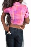 Άτομο που παίρνει το προφυλακτικό Στοκ φωτογραφίες με δικαίωμα ελεύθερης χρήσης