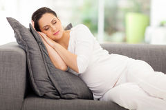 孕妇休息 库存照片