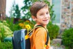 男孩准备好幼儿园 免版税图库摄影