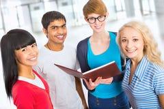 小组愉快的学生 免版税图库摄影