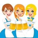 慕尼黑啤酒节美丽的女服务员 图库摄影