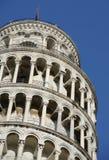 倾斜的比萨顶部塔 免版税库存图片