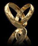 Χρυσά δαχτυλίδια (πορεία ψαλιδίσματος συμπεριλαμβανόμενη) Στοκ εικόνα με δικαίωμα ελεύθερης χρήσης
