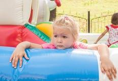 孩子是疲乏使用 免版税库存照片
