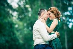 Счастливые пары в влюбленности Стоковые Фото
