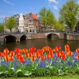 运河桥梁敲响,阿姆斯特丹老镇  免版税库存图片