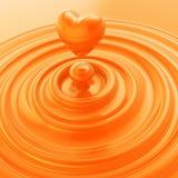 心脏标志由液体奶油或肥皂制成 免版税库存照片